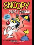 Snoopy: Party Animal (Peanuts Amp! Series Book 6), 6