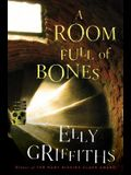 A Room Full of Bones: A Ruth Galloway Mystery (Ruth Galloway Mysteries)