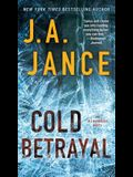 Cold Betrayal, Volume 10: An Ali Reynolds Novel
