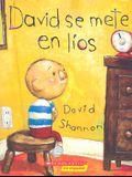 David Se Mete en Lios = David Gets in Trouble