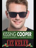 Kissing Cooper: Heroes of Henderson A Christmas Quickie